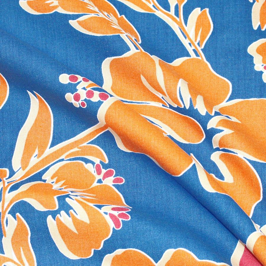 アロハシャツ−かりゆしウェア【ハイビー総柄(スキッパー襟) レディース】は、タフな生地なので長く着用できます