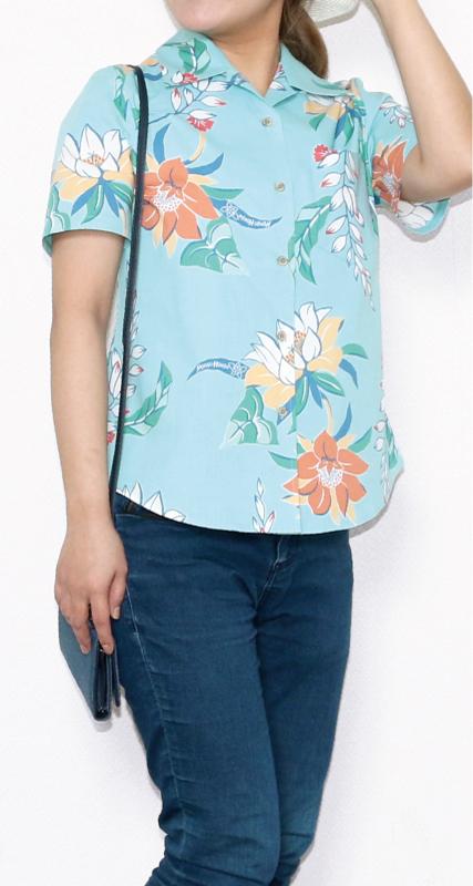 柔らかな色味のレディースアロハシャツ