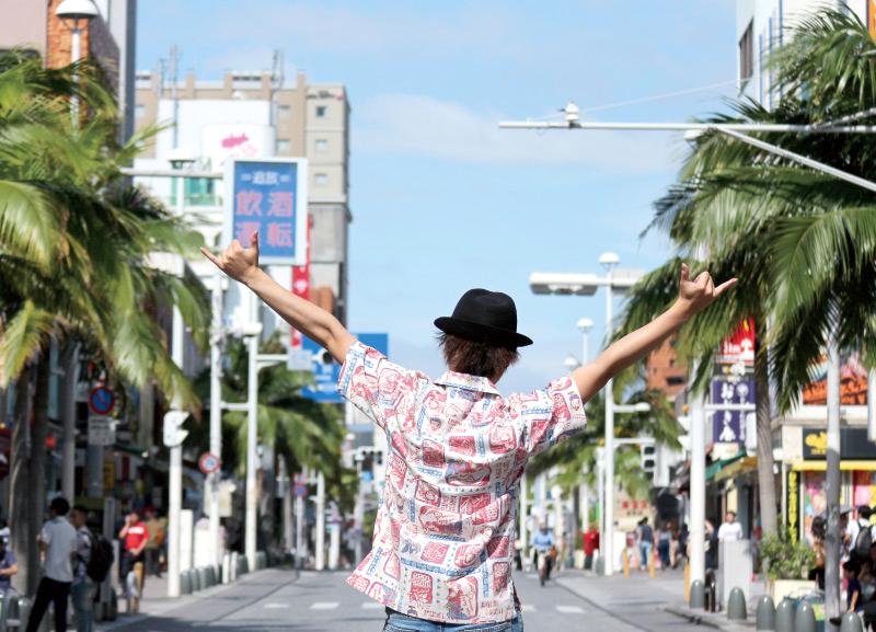 沖縄アロハシャツ 日本人に似合う かりゆしウェア