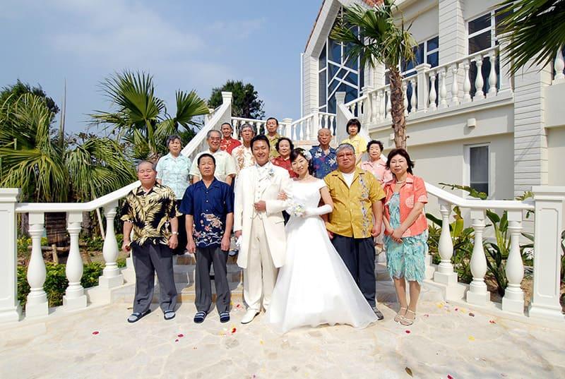 沖縄結婚式(かりゆしウェディング)記念写真を2008年5月15日にご提供いただきました。