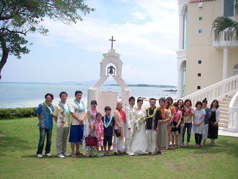 沖縄結婚式(かりゆしウェディング)記念写真を2009年7月10日にご提供いただきました・2枚目。