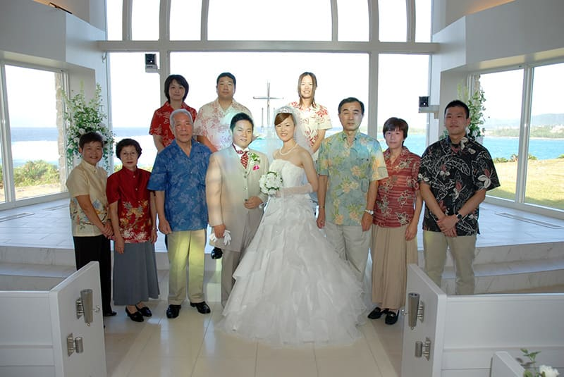 沖縄結婚式 万座ビーチリゾートホテル アクアルーチェ・チャペル かりゆしウエディング