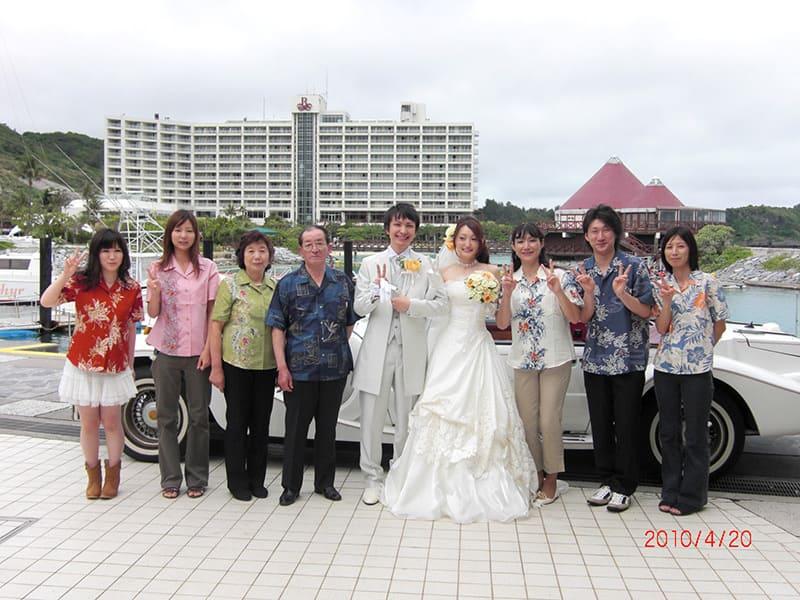 沖縄結婚式(かりゆしウェディング)記念写真を2010年4月28日にご提供いただきました。
