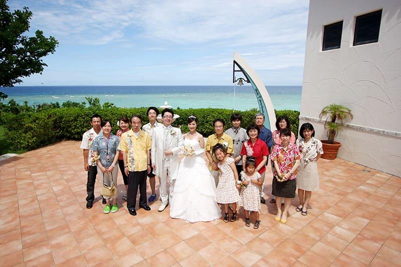 沖縄結婚式(かりゆしウェディング)記念写真を2011年8月4日にご提供いただきました。