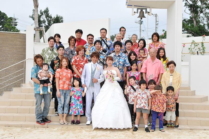 沖縄結婚式(かりゆしウェディング)記念写真を2013年4月8日にご提供いただきました。