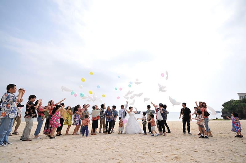ビーチ 沖縄結婚式 アイネスヴィラノッツェ沖縄 かりゆしウエディング