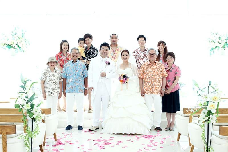 沖縄結婚式(かりゆしウェディング)記念写真を2013年8月11日にご提供いただきました。