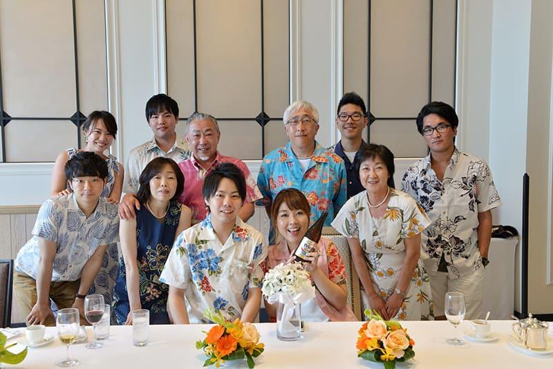 新郎・新婦もかりゆしウェアコーデができる沖縄結婚式(かりゆしウェディング)