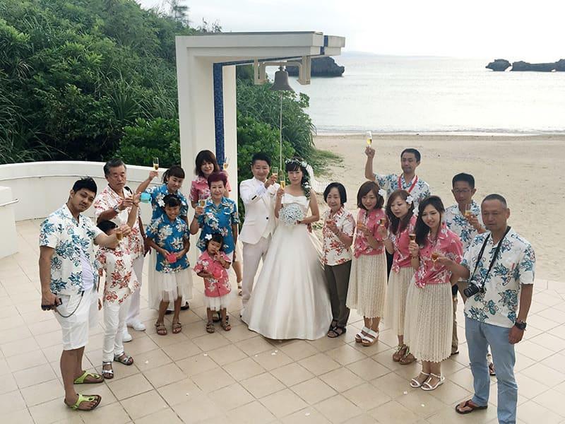 沖縄結婚式(かりゆしウェディング)屋外にて2016年10月10日に挙式しました。