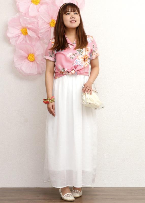 多様な着合わせで沖縄結婚式(かりゆしウェディング)リゾート感を演出。