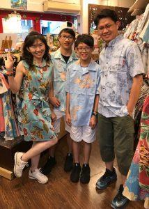 台湾人かりゆしを着る