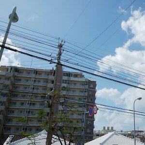 11月の沖縄の空