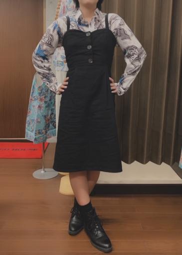 メンズ長袖×黒ワンピース