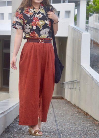 アロハシャツ 女 コーデ