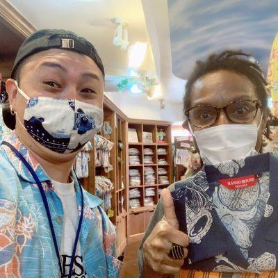 パプアニューギニアから沖縄アロハシャツをチョイス