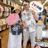 愛知県からお越しのお客様。ヤンバルクイナのかりゆしウェアがお気に入り!