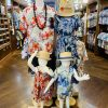 夏到来!!沖縄に旅行ならかりゆしウェアを着ちゃおう\>